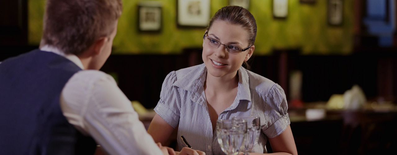 How to Hire a Manager For Your Restaurant