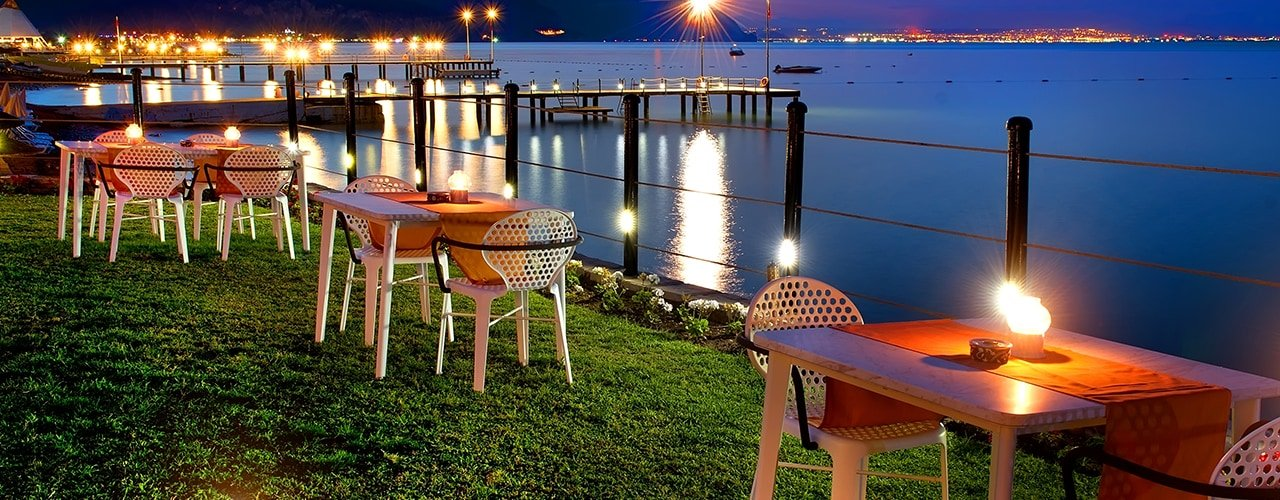 A Guide to Commercial Outdoor Furniture
