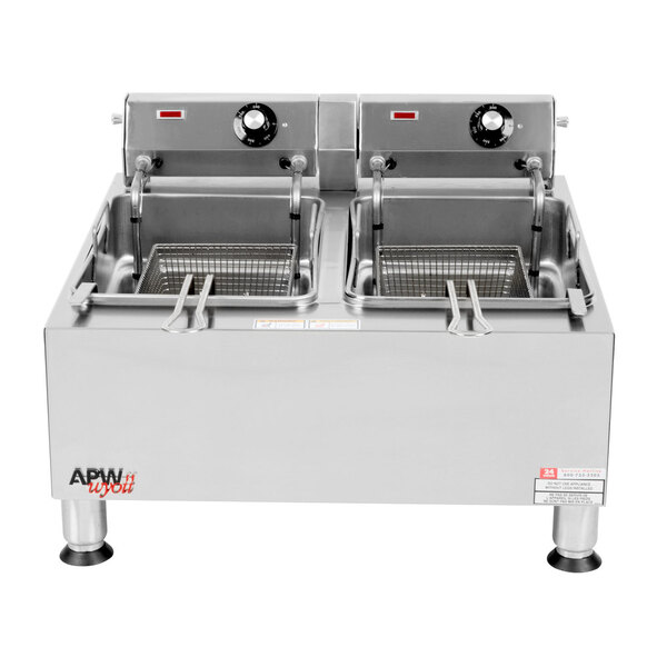 Scratch and Dent APW Wyott EF-30iNT 30 lb. Dual Tank Commercial Countertop Deep Fryer - 208/240V Main Image 1