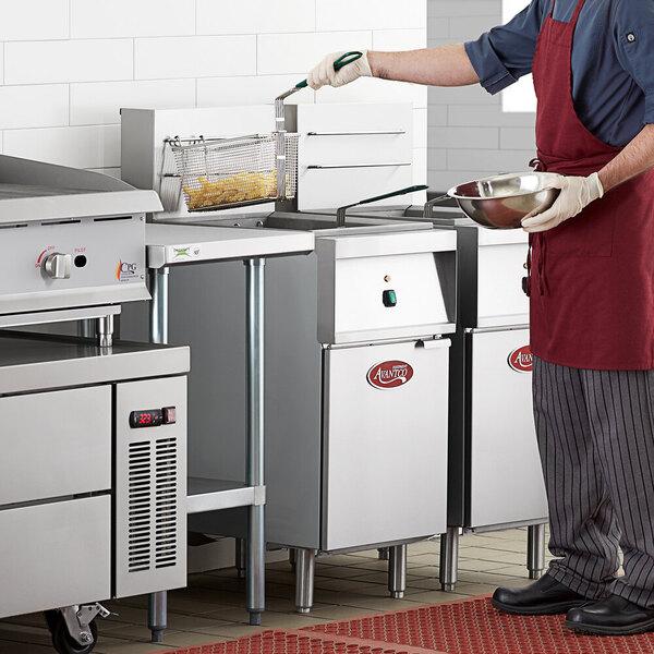 Scratch and Dent Avantco EF40-240-3 40 lb. Electric Floor Fryer - 240V, 3 Phase Main Image 1