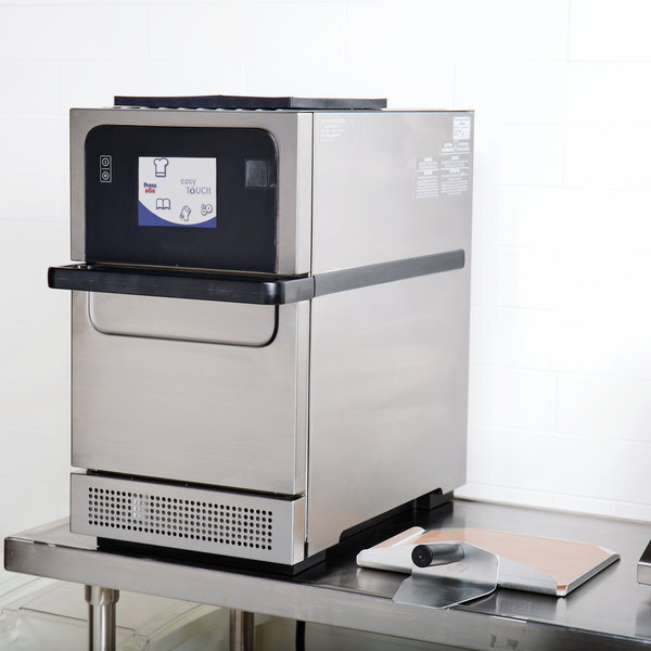 Scratch and Dent Merrychef eikon e2s Classic High-Speed Accelerated Cooking Countertop Oven - 208/240V Main Image 1