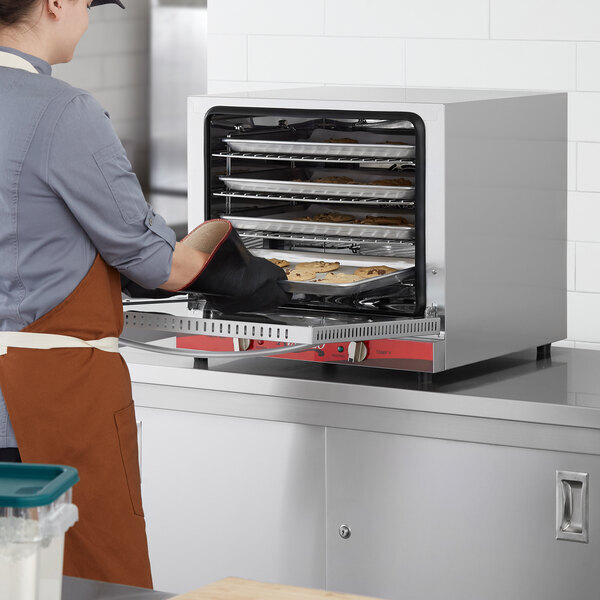 Scratch and Dent Avantco CO-28 Half Size Countertop Convection Oven, 2.3 Cu. Ft. - 208/240V, 2800W Main Image 1