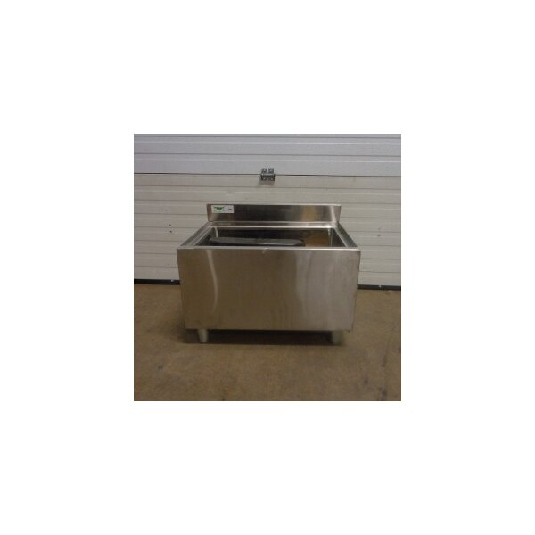 """Regency 18"""" x 24"""" Underbar Ice Bin with 7 Circuit Post-Mix Cold Plate and Bottle Holders - 77 lb."""
