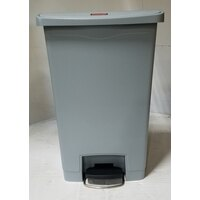 Rubbermaid 1883602 Slim Jim Resin Gray Front Step-On Trash Can - 13 Gallon