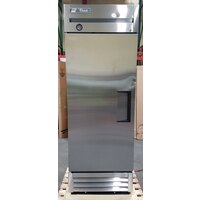 True T-19 27 inch One Section Solid Door Reach in Refrigerator - 19 Cu. Ft.