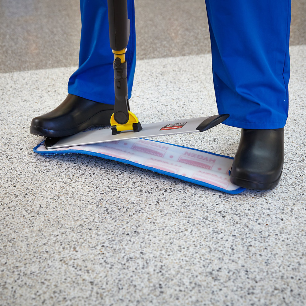 how to use rubbermaid microfiber mop