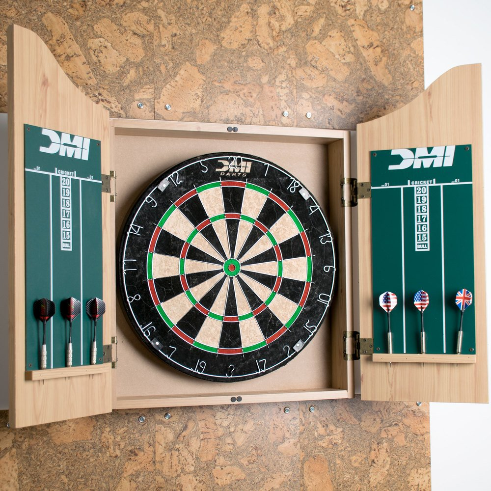 Escalade Sports CABSETPL Deluxe Dartboard Cabinet Set