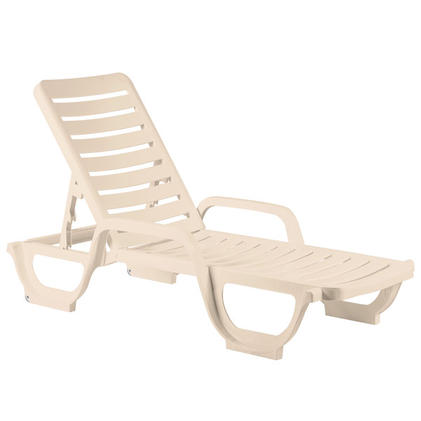 Case of 18 Grosfillex 44031166 / 44031066 Bahia Sandstone Stacking Adjustable Resin Chaise