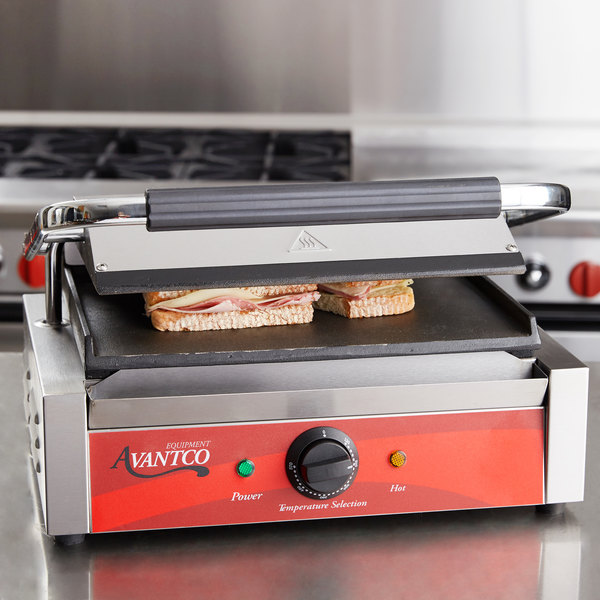 "Avantco P70S Commercial Panini Sandwich Grill with Smooth Plates - 13"" x 8 3/4"" Cooking Surface - 120V, 1750W Main Image 5"