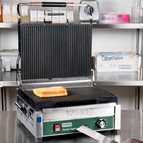"""Waring WPG250C 14 1/2"""" x 11"""" Panini Supremo Grooved Top & Bottom Panini Sandwich Grill - 120V (Canadian Use Only) Main Image 14"""
