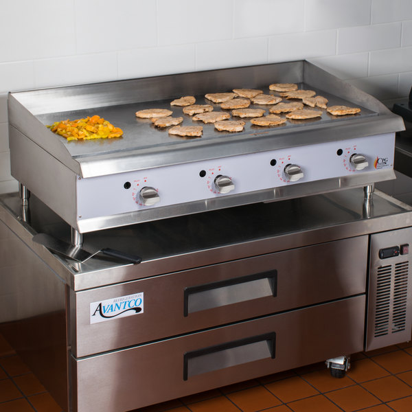 """Cooking Performance Group G48T 48"""" Heavy-Duty Gas Countertop Griddle with Flame Failure Protection and Thermostatic Controls - 120,000 BTU"""
