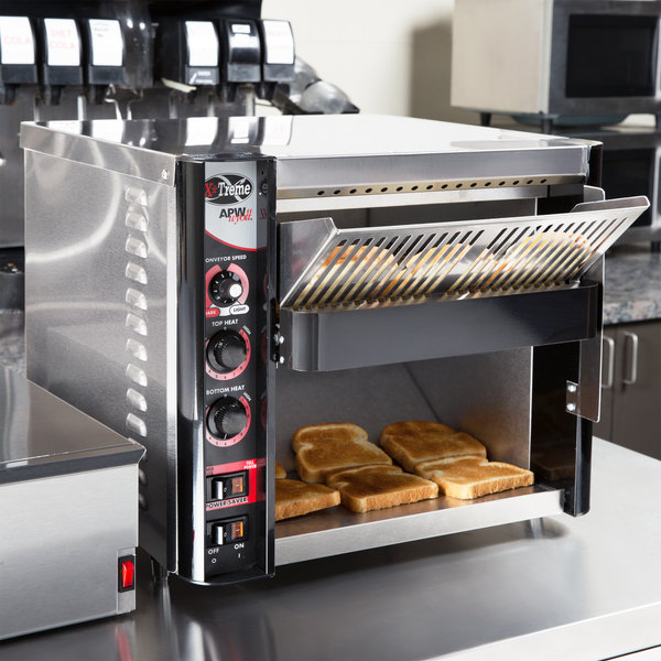 "APW Wyott XTRM-3H 13"" Wide Belt Conveyor Toaster with 3"" Opening - 230V"