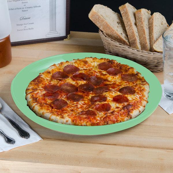 """Tuxton BTA-1315 DuraTux 13 1/8"""" Cilantro China Pizza Serving Plate - 6/Case"""