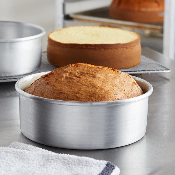 """8"""" x 3"""" Round Aluminum Cake Pan Main Image 2"""