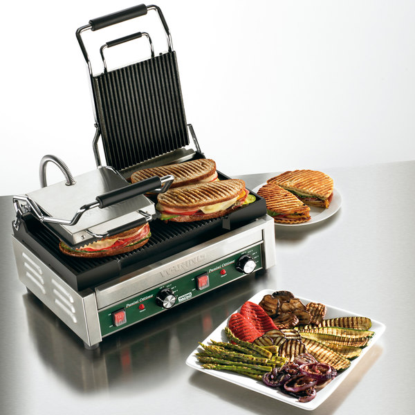 "Waring WPG300 Panini Ottimo Grooved Top & Bottom Panini Sandwich Grill - 17"" x 9 1/4"" Cooking Surface - 240V, 3120W"