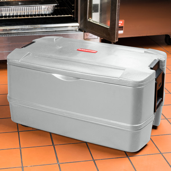 """Rubbermaid FG940700PLAT CaterMax 29 1/2"""" x 19"""" x 15 1/2"""" Platinum Top Loading Insulated 4-Pan Carrier"""