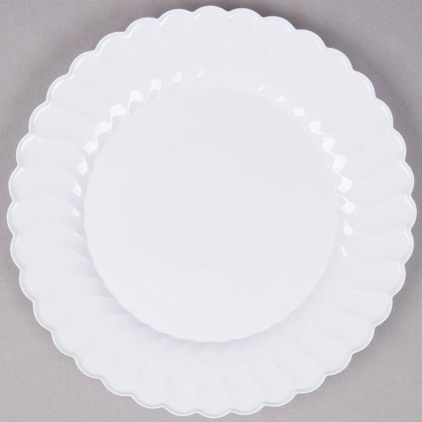 Fineline Flairware 210-WH 10 1/4 inch White Plastic Plate - 144/Case
