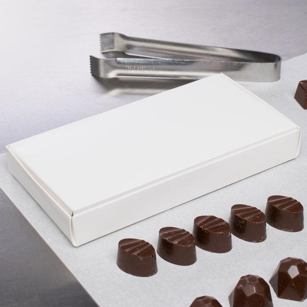 """7 1/2"""" x 4"""" x 1"""" 1-Piece 1/2 lb. White Candy Box - 250/Case"""