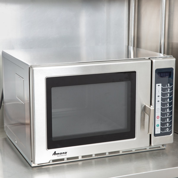 Amana Rfs18ts Medium Duty Stainless Steel Commercial Microwave With Push On Controls 208 230v 1800w