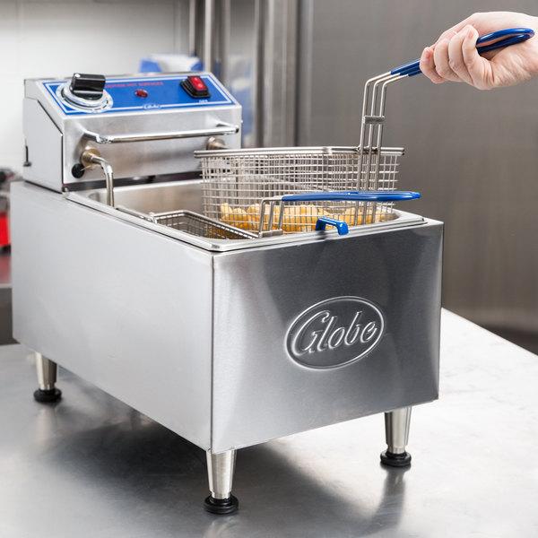 Globe PF10E 10 lb. Electric Countertop Fryer