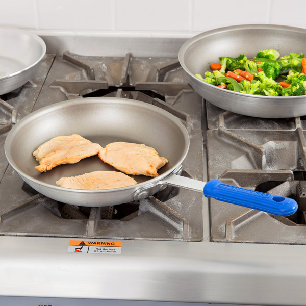 "Vollrath ES4010 Wear-Ever 10"" Ever-Smooth PowerCoat2 Non-Stick Fry Pan with Cool Handle - Rivet-Less"
