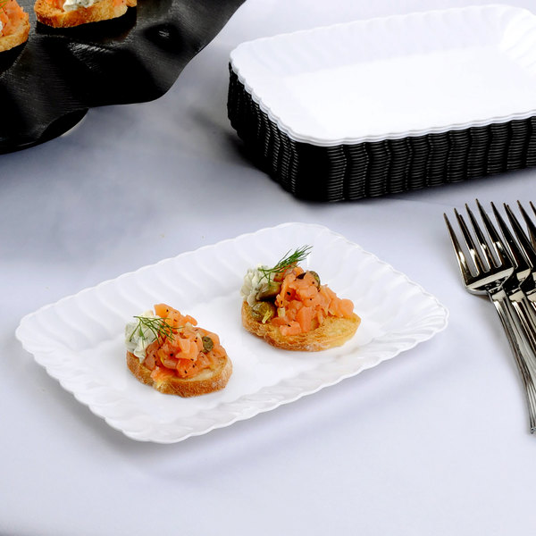 """Fineline Flairware 257-WH White 5"""" x 7"""" Plastic Snack Tray - 18/Pack"""