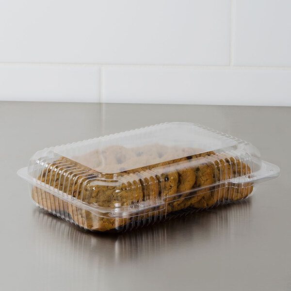 """Dart C30UT1 StayLock 9 3/8"""" x 6 3/4"""" x 2 1/8"""" Clear Hinged Plastic Medium Shallow Dome Oblong Container - 125/Pack Main Image 2"""
