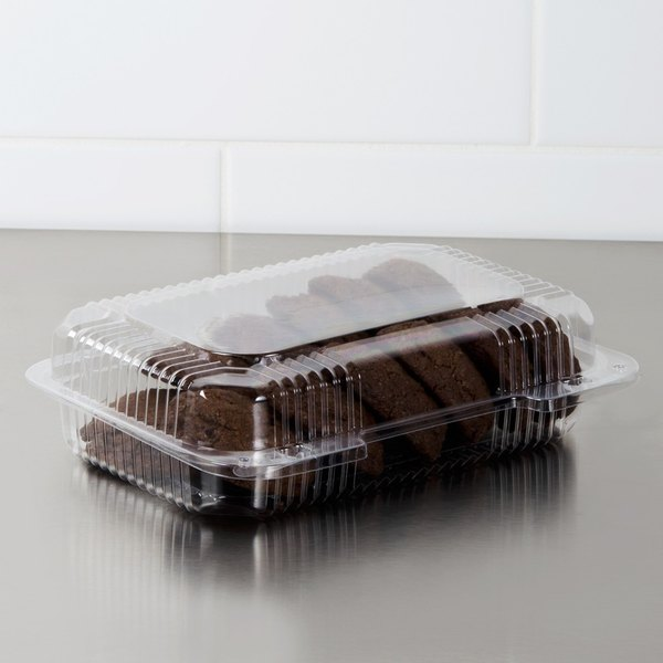 """Dart C32UT1 StayLock 9 3/8"""" x 6 3/4"""" x 2 5/8"""" Clear Hinged Plastic Medium Dome Oblong Container - 125/Pack Main Image 2"""