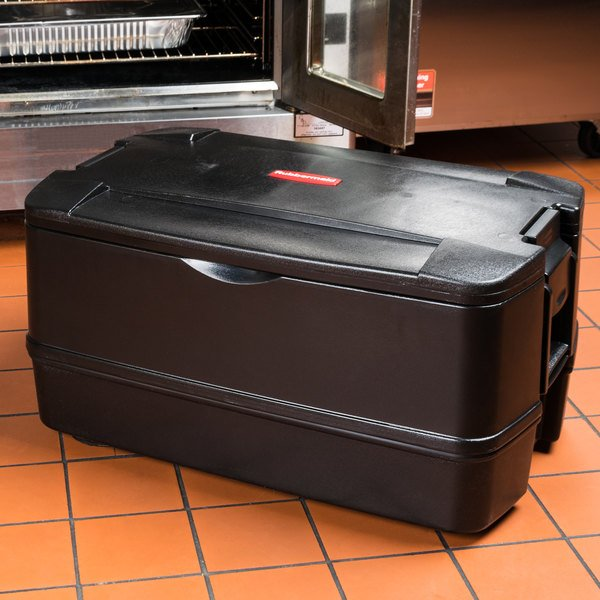 """Rubbermaid FG940700BLA CaterMax 29 1/2"""" x 19"""" x 15 1/2"""" Black Top Loading Insulated 4-Pan Carrier"""