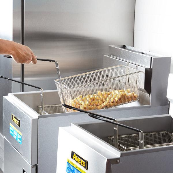 Anets SLG100 Liquid Propane 70-100 lb. SilverLine Fryer - 150,000 BTU