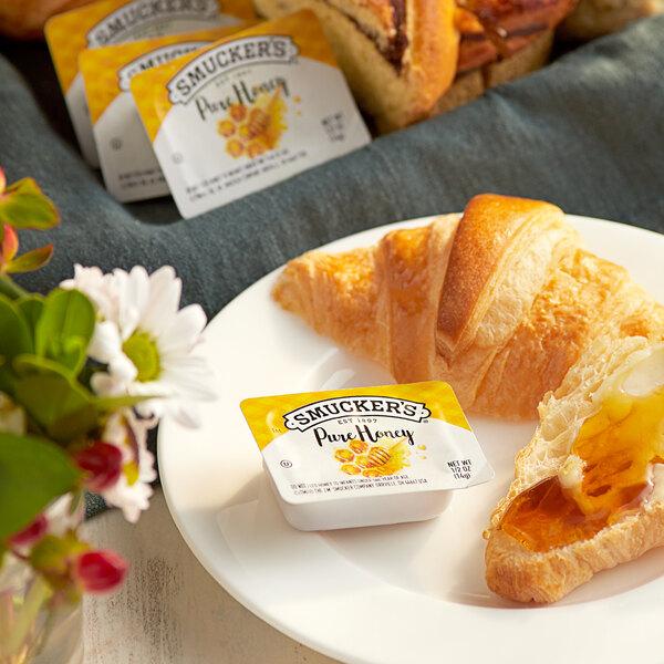 Smucker's Honey 0.5 oz. Portion Cups - 200/Case Main Image 2