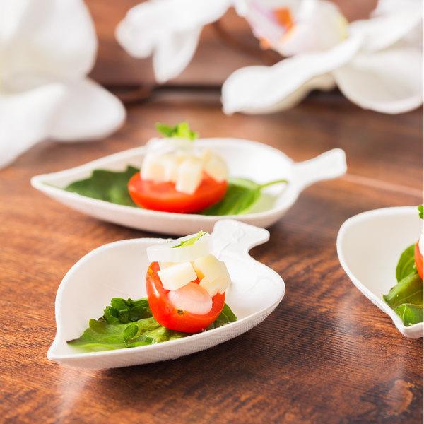 "EcoChoice Biodegradable, Compostable Sugarcane / Bagasse 3 3/4"" Leaf Appetizer Dish - 200/Case"