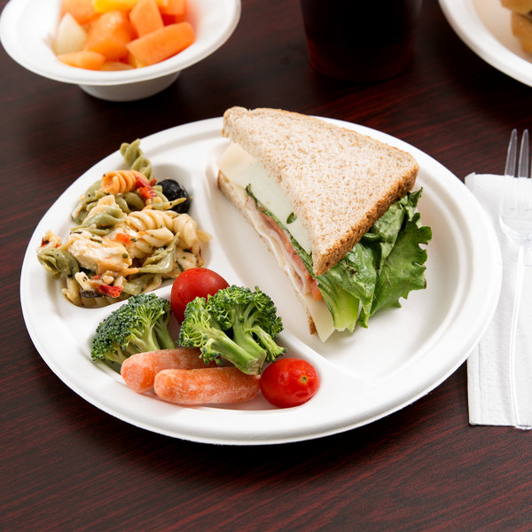 "EcoChoice Biodegradable, Compostable Sugarcane / Bagasse 9"" Plate 3 Compartment - 125/Pack"