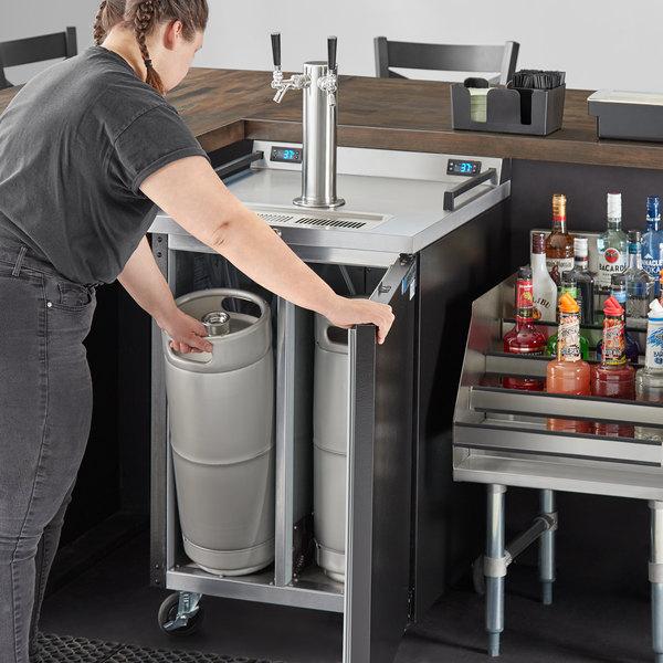 Beverage-Air DZ24-1-B Double Tap Dual Zone Kegerator Beer Dispenser - Black, (4) 1/6 Keg Capacity Main Image 7
