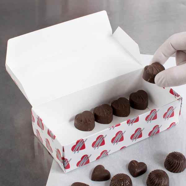 "7 1/8"" x 3 3/8"" x 1 7/8"" 1-Piece 1 lb. Heart Candy Box - 250/Case Main Image 4"