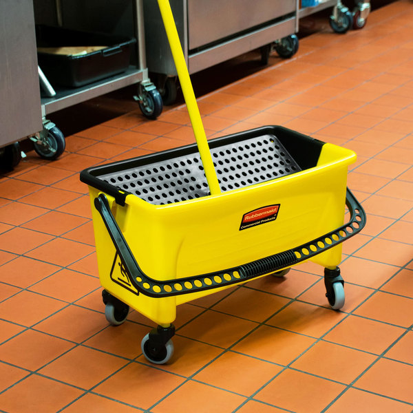 Rubbermaid FGQ90088YEL Yellow 40 Qt. No Touch Microfiber Mop Bucket