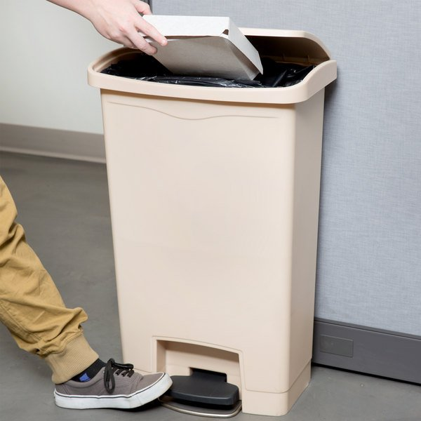 Rubbermaid 1883458 Slim Jim Resin Beige Front Step On Trash Can 13 Gallon