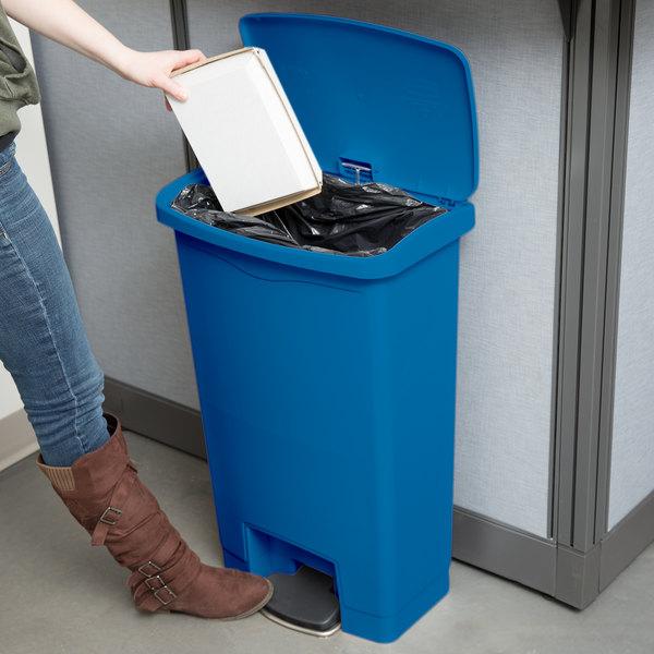 rubbermaid slim jim resin blue front stepon trash can 13 gallon