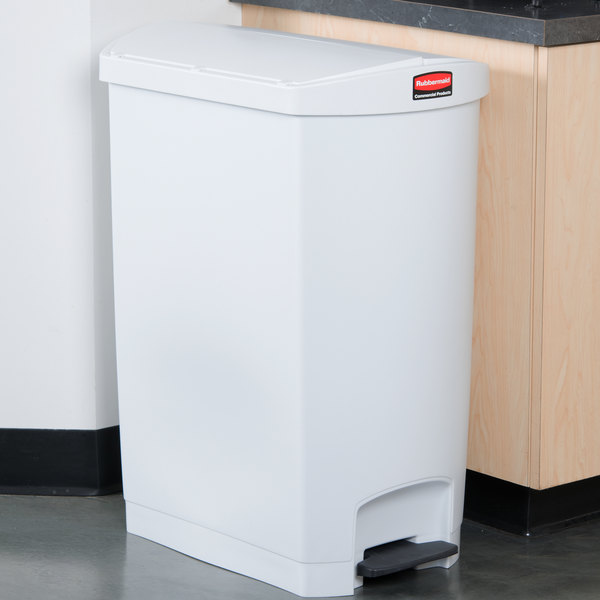 Rubbermaid 1883562 Slim Jim Resin White End Step-On Trash Can with Rigid Plastic Liner - 24 Gallon