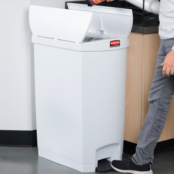 Rubbermaid 1883562 Slim Jim Resin White End Step-On Trash Can with Rigid Plastic Liner - 96 Qt. / 24 Gallon