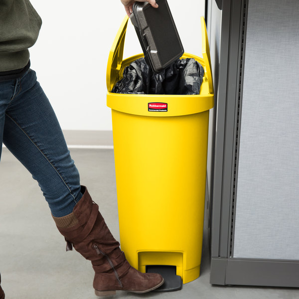Rubbermaid 1883576 Slim Jim Resin Yellow End Step-On Trash Can with Rigid Plastic Liner - 52 Qt. / 13 Gallon