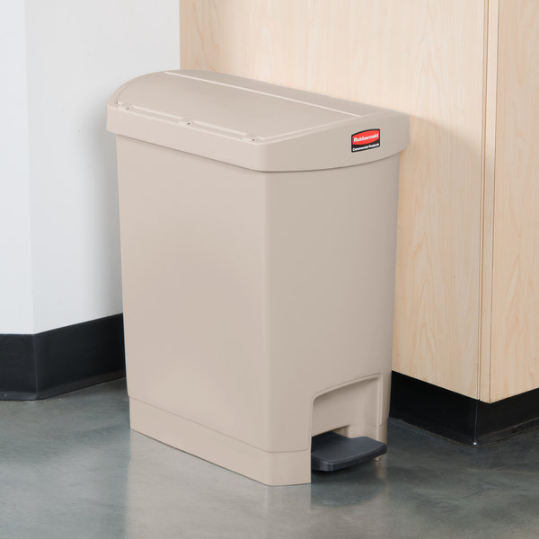 rubbermaid slim jim resin beige end stepon trash can with rigid plastic liner 8 gallon