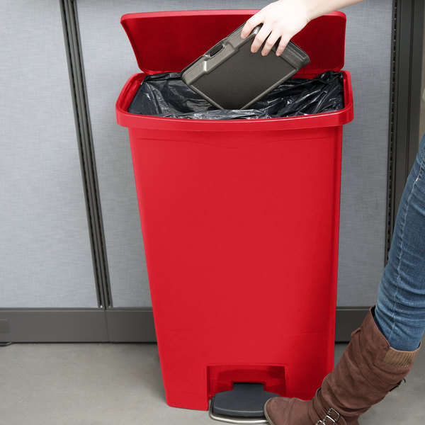 Rubbermaid 1883568 Slim Jim Resin Red Front Step-On Trash Can - 72 Qt. / 18 Gallon Main Image 3