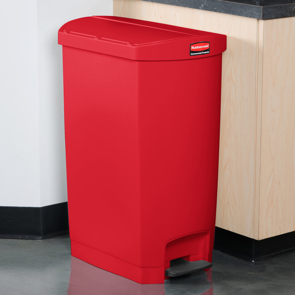 Rubbermaid 1883569 Slim Jim Resin Red End Step-On Trash Can with Rigid Plastic Liner - 18 Gallon