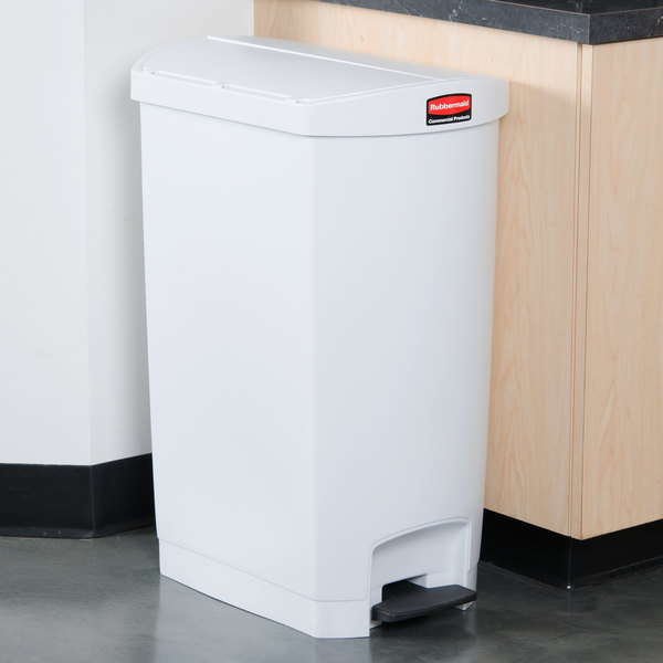 Rubbermaid 1883560 Slim Jim Resin White End Step-On Trash Can with Rigid Plastic Liner - 18 Gallon
