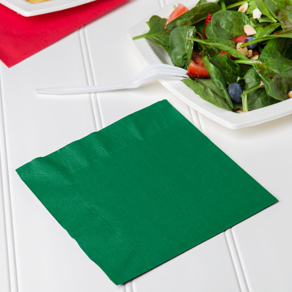 Creative Converting 139184135 Emerald Green 2-Ply 1/4 Fold Luncheon Napkin - 600/Case Main Image 3