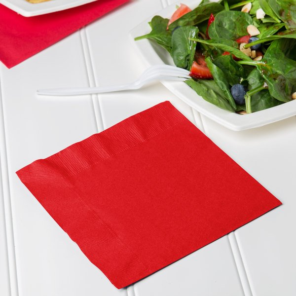 Creative Converting 661031B Classic Red 2-Ply 1/4 Fold Luncheon Napkin - 600/Case Main Image 3