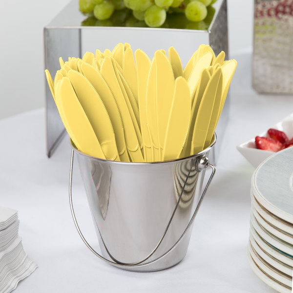 "Creative Converting 010580 7 1/2"" Mimosa Yellow Heavy Weight Premium Plastic Knife - 288/Case Main Image 2"