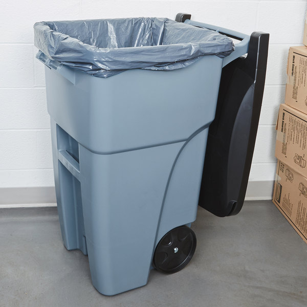 Rubbermaid FG9W2700GRAY Brute 50 Gallon Gray Wheeled Trash Can with Lid Main Image 2