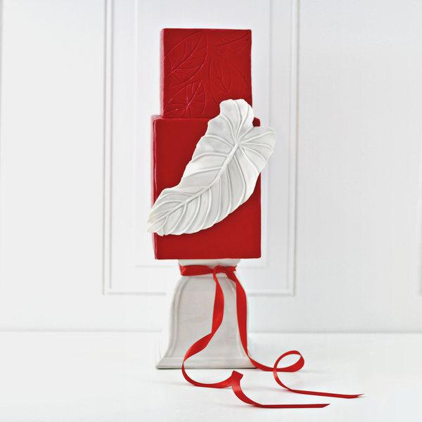 Satin Ice 10019 5 lb. Red Vanilla Rolled Fondant Icing